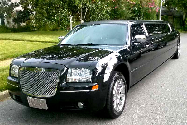 Miami Florida Chrysler 300 Limo